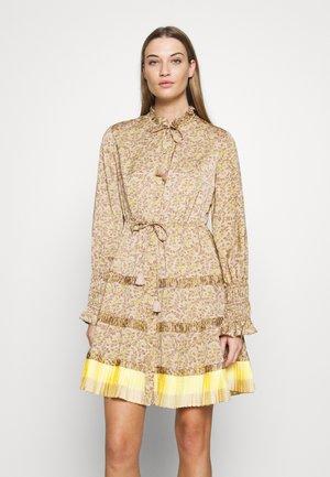 BOHEMIAN SUMMER DRESS - Denní šaty - beige / gold
