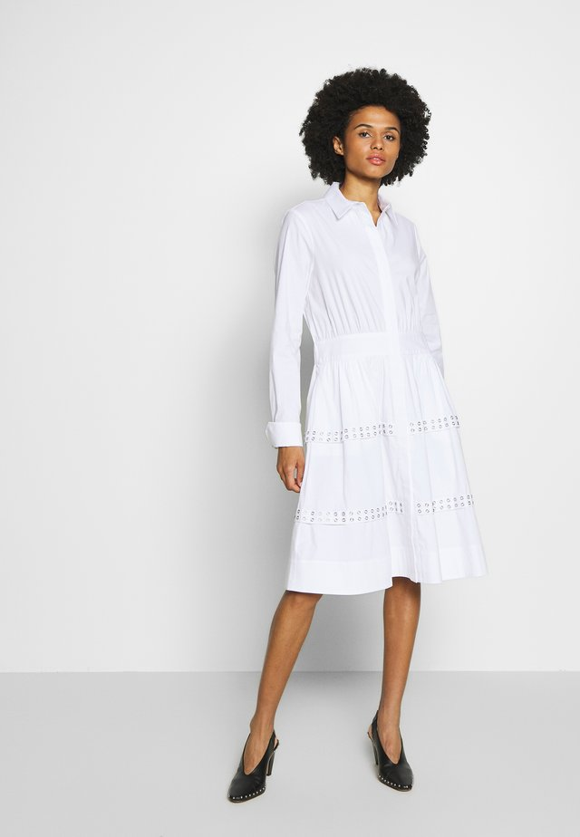 BELLA ROCKY DRESS - Freizeitkleid - white