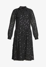 SUSAN SUMMER GLAM DRESS - Koktejlové šaty/ šaty na párty - black