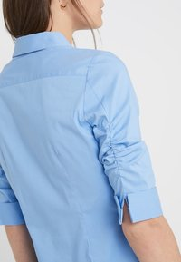 Steffen Schraut - CYNTHIA ESSENTIAL FASHION  - Button-down blouse - fresh blue - 5