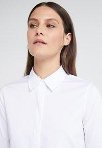 Steffen Schraut - CYNTHIA GLAM BLOUSE - Skjorte - white - 5