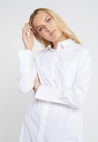 Steffen Schraut - CARRIE LONG BLOUSE - Overhemdblouse - white