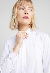 Steffen Schraut - BELLE LOVELY BLOUSE - Skjorta - white - 4