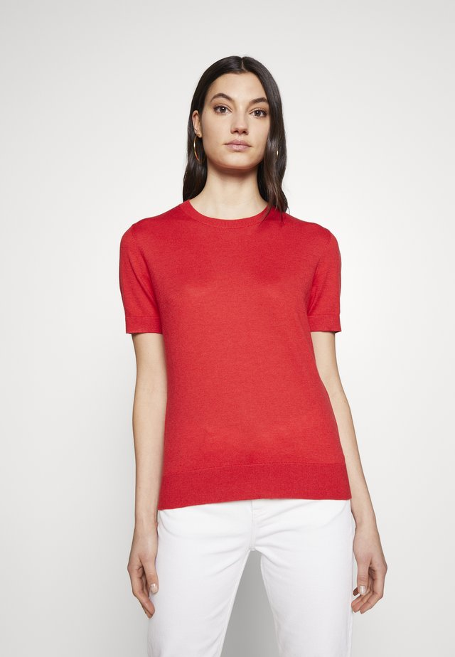 CLAIRE ESSENTIAL  - T-shirts - red lips