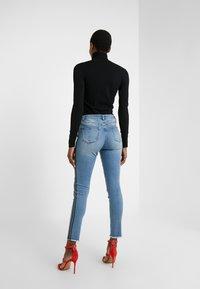 Steffen Schraut - CHERYL GLAM STRIPE PANTS - Jeans Slim Fit - cool denim - 2