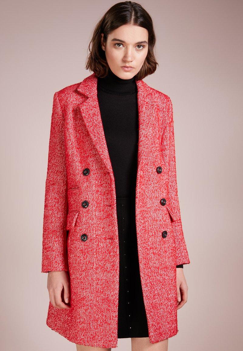 Steffen Schraut - MADISON AVENUE COAT - Classic coat - funky red