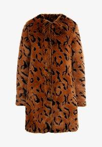 Steffen Schraut - LUXURY FASHIONISTA COAT - Winter coat - camel - 4