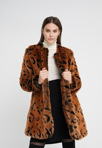 Steffen Schraut - LUXURY FASHIONISTA COAT - Winter coat - camel - 3