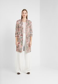 Steffen Schraut - LOU SUMMER COAT - Kåpe / frakk - light pink