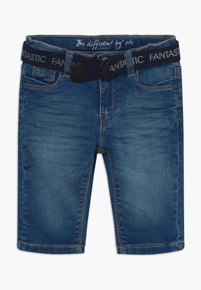 CAPRI KID - Jeansshorts - mid blue denim