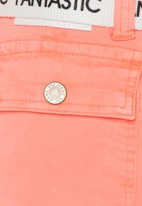 Staccato - TEENAGER - Shorts - neon peach - 2