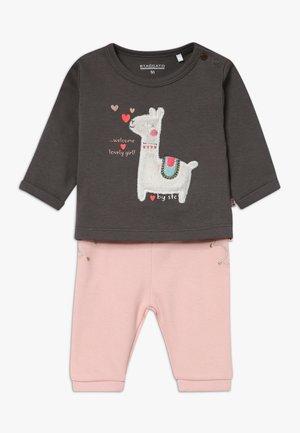 LAMA SET BABY - Leggings - Trousers - light pink