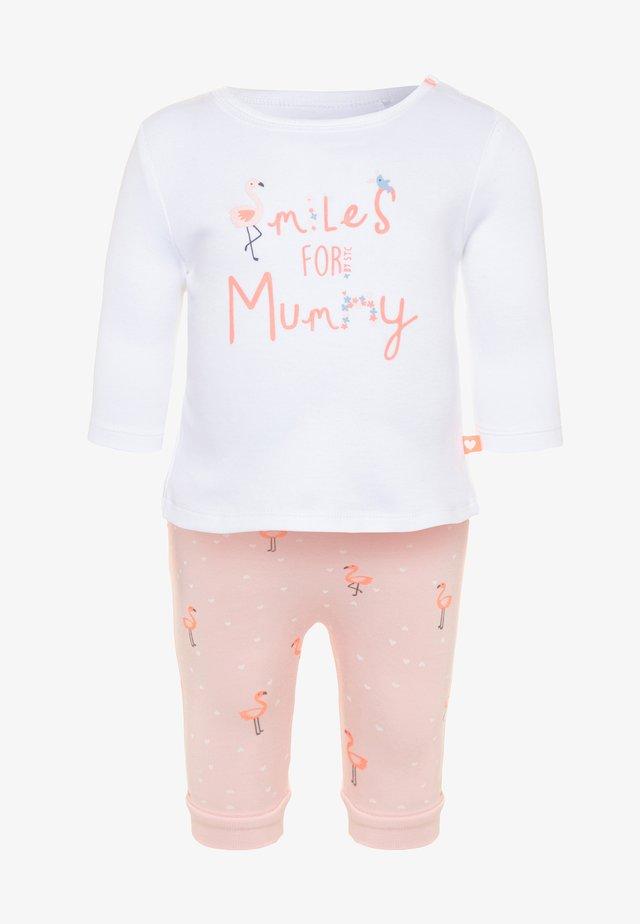 LONGSLEEVE PANTS SET - Trousers - soft white/soft peach
