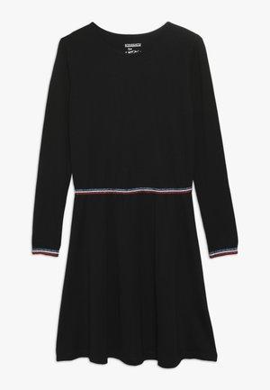 TEENAGER - Žerzejové šaty - black