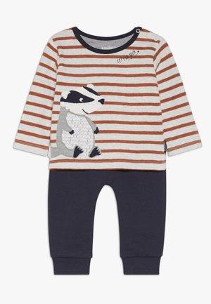 WOODLAND BABY SET - Pantalon classique - dark blue