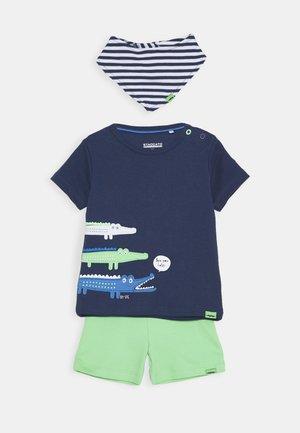 BIB SET - Shorts - dark blue/green