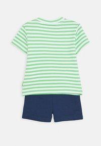 Staccato - SET - Teplákové kalhoty - green/dark green - 1