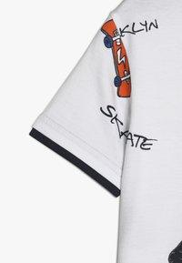 Staccato - KID - Camiseta estampada - white - 2
