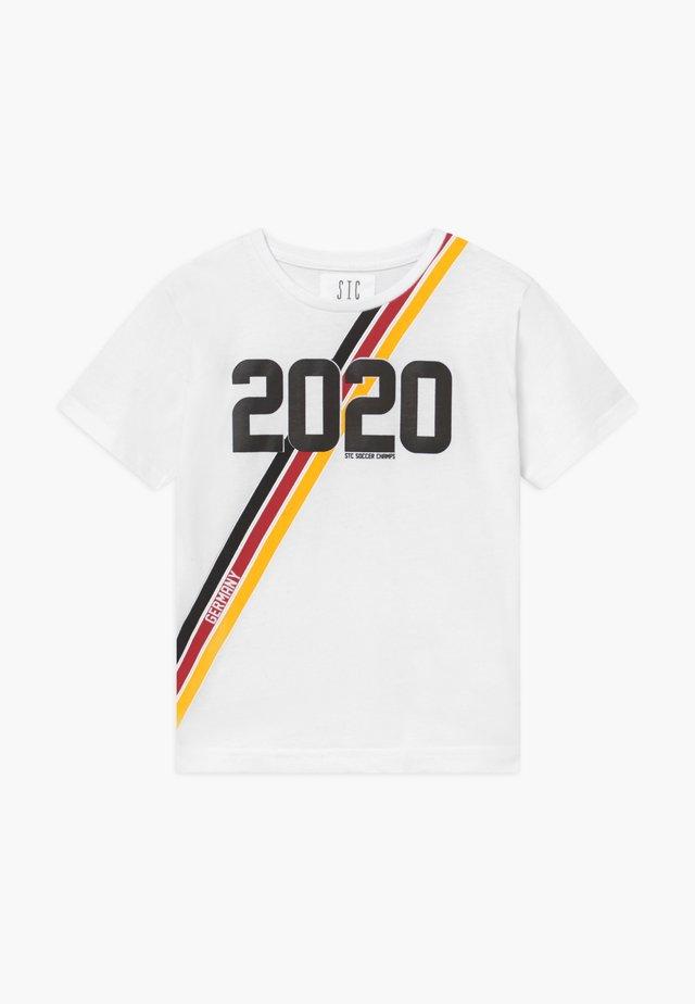 EM KID - T-shirt med print - white