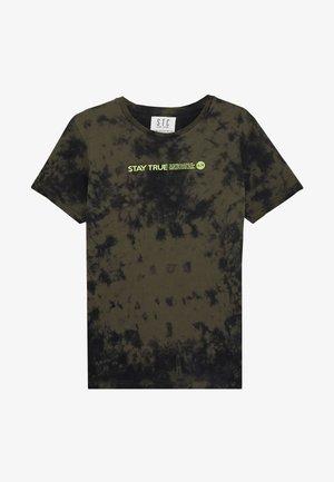 TIE DYE TEENAGER - T-shirt print - dark olive