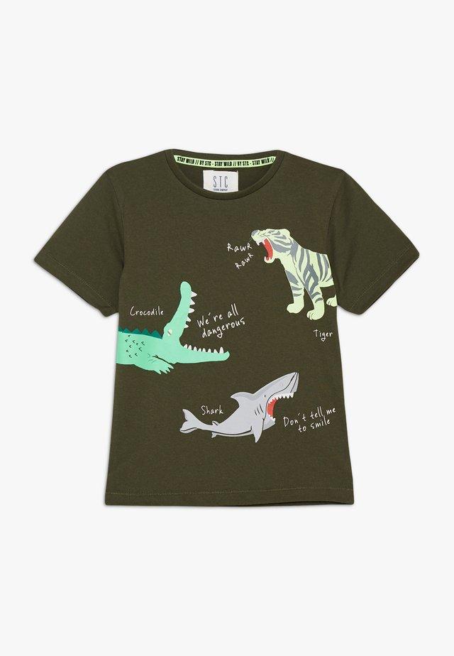 KID - T-shirt con stampa - dark olive