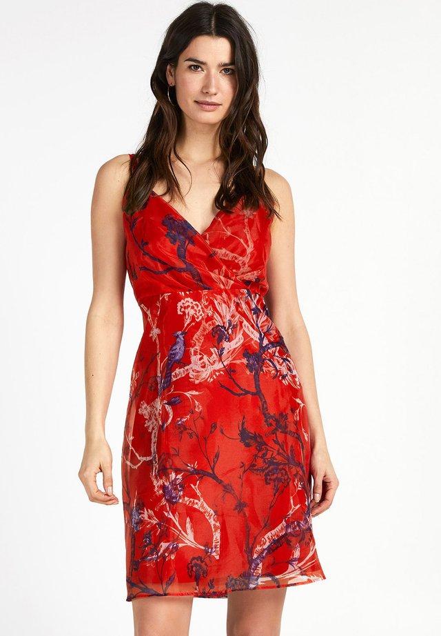 ALICIA - Korte jurk - chinese red