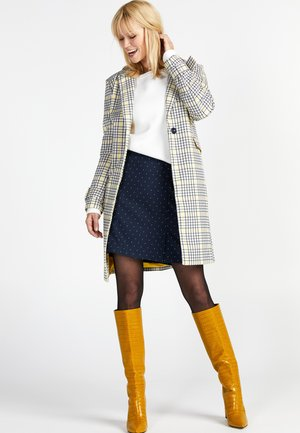 Short coat - sulphur