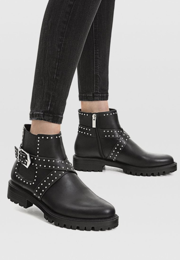 Stradivarius - Bottines - black
