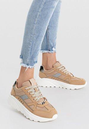 Sneakers - beige/white