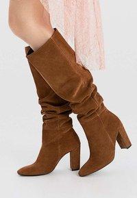 Stradivarius - High heeled boots - brown - 0