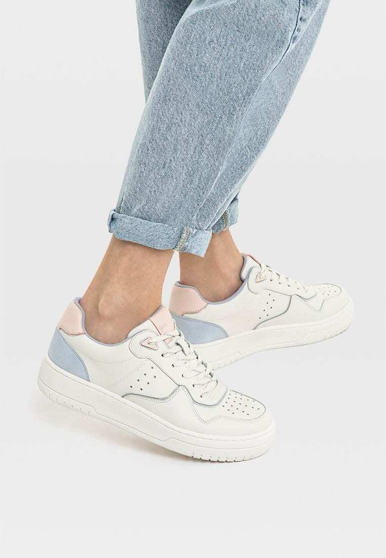 Stradivarius - MIT DETAILS  - Sneakers laag - off-white