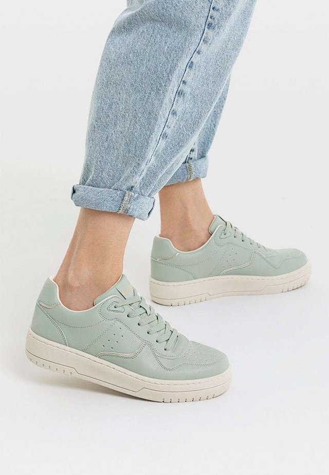 MIT DETAILS  - Sneakers - green