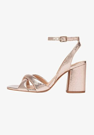 ABSATZSANDALEN IN METALLIC-OPTIK 19212570 - Sandales - gold
