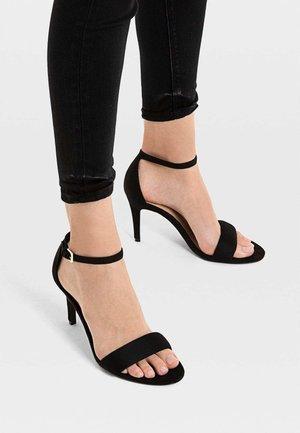 MIT STILETTOABSATZ UND KNÖCHELRIEMCHEN - High Heel Sandalette - black