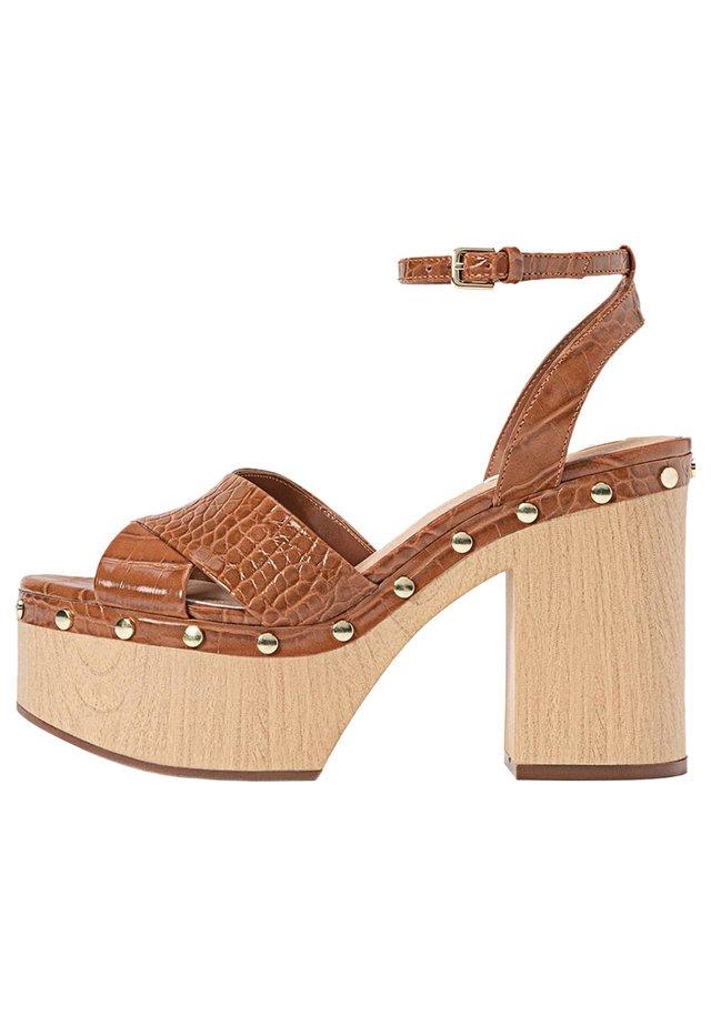 Højhælede sandaletter / Højhælede sandaler - brown
