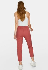 Stradivarius - Trousers - rose - 2