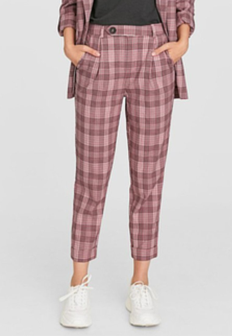 Stradivarius - KAROTTEN - Trousers - rose