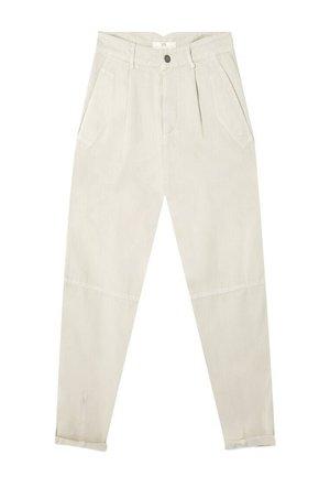 HOSE IM SLOUCHY FIT 07456510 - Pantalon classique - beige