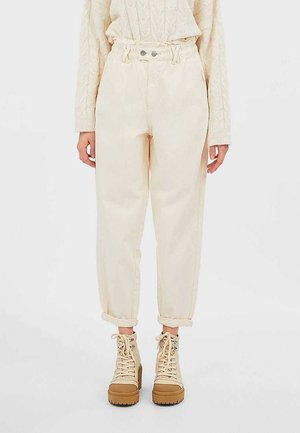 TWILL-BAGGY - Trousers - white