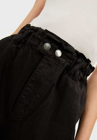 Stradivarius - TWILL-BAGGY - Trousers - black - 3