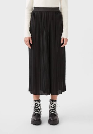 PLISSIERTE CULOTTE - Trousers - black