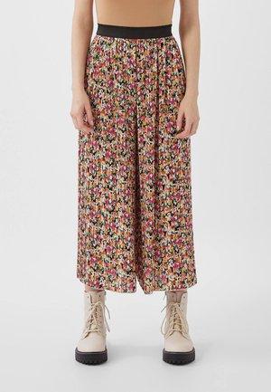 MIT PRINT - Trousers - bordeaux
