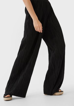 MIT WEITEM BEIN UND TEXTUR  - Kalhoty - black