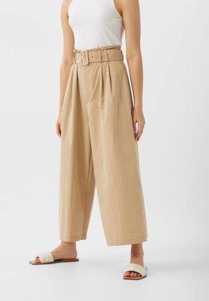 01166190 - Pantalon classique - beige