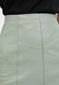 Stradivarius - 04701985 - A-line skirt - turquoise - 3