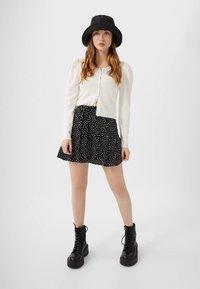 Stradivarius - SKORT - A-line skirt - white - 1