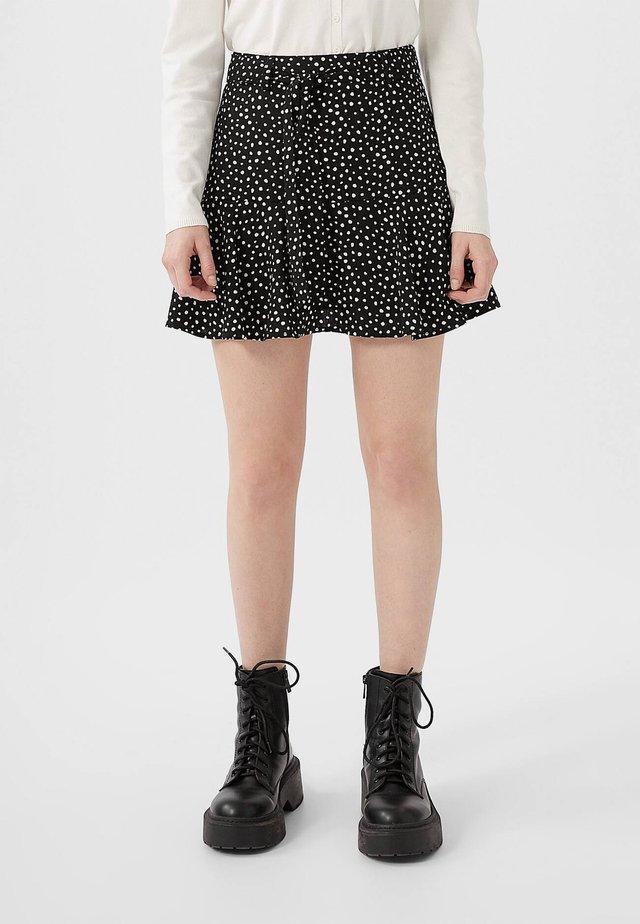 SKORT - A-snit nederdel/ A-formede nederdele - white