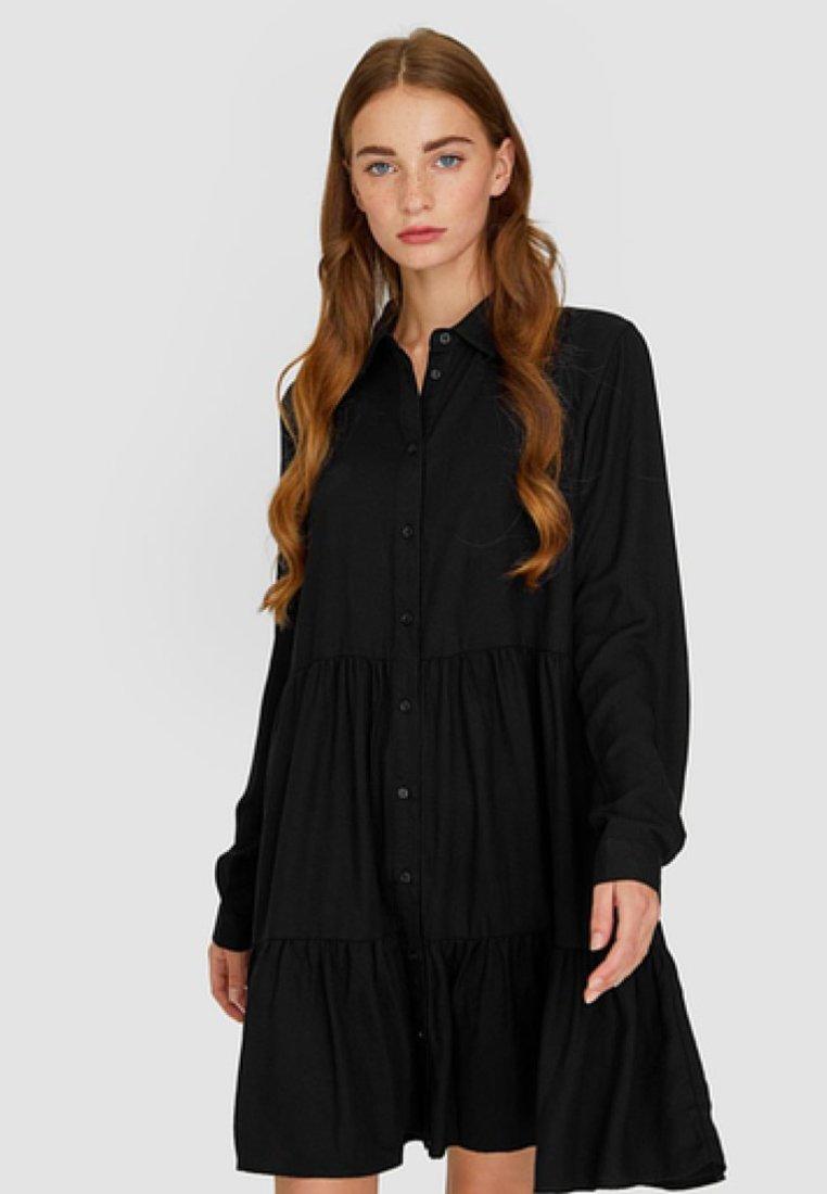 Stradivarius - MIT VOLANT  - Robe chemise - black