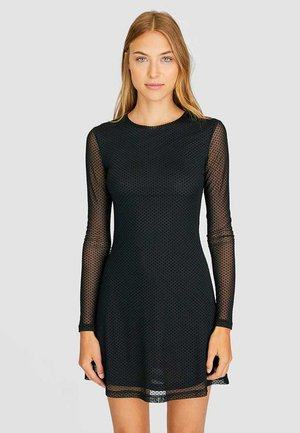 MIT PUNKTEN  - Day dress - black