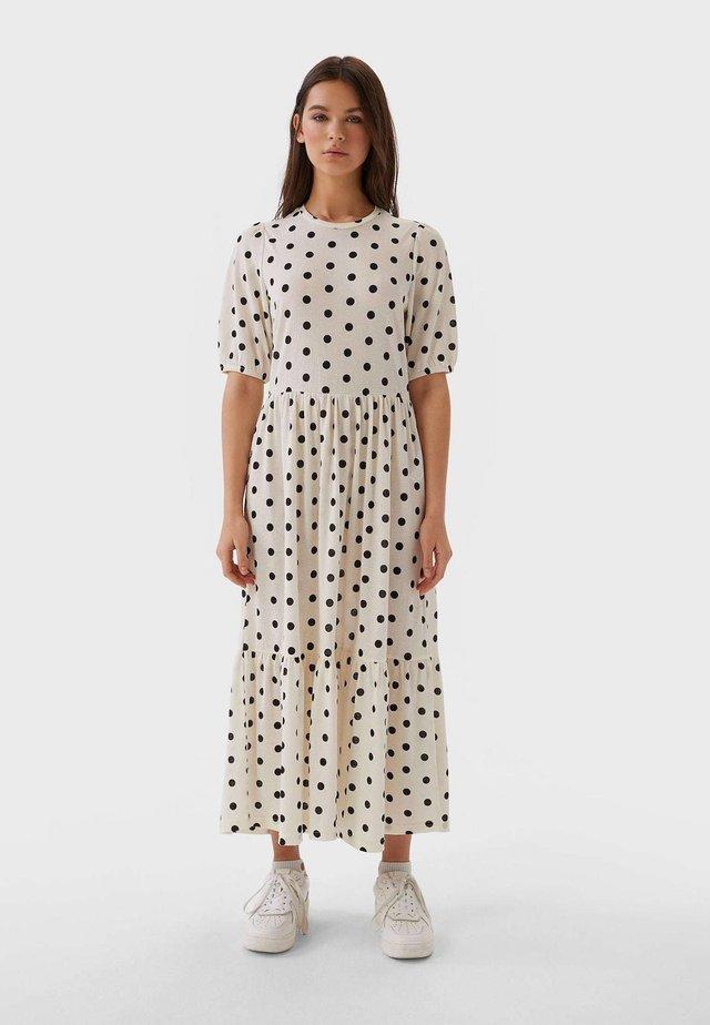 MIT PUFFÄRMELN  - Sukienka letnia - white